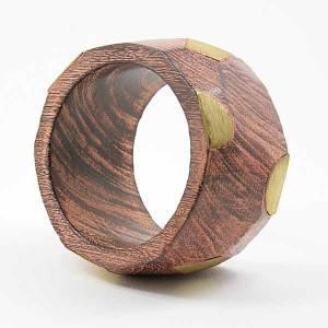 Bracelet en bois marron doré